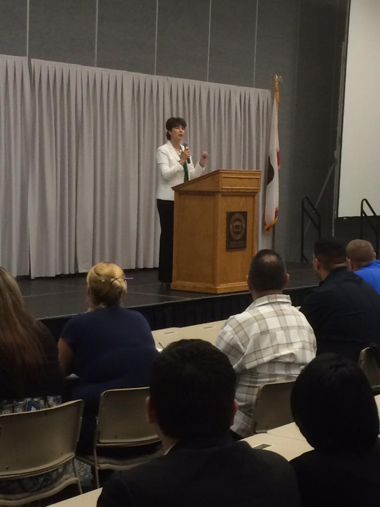 State senator @SenatorLeyva kicking off this great hiring fest! Providing jobs for all in LA County & IE. #gethired