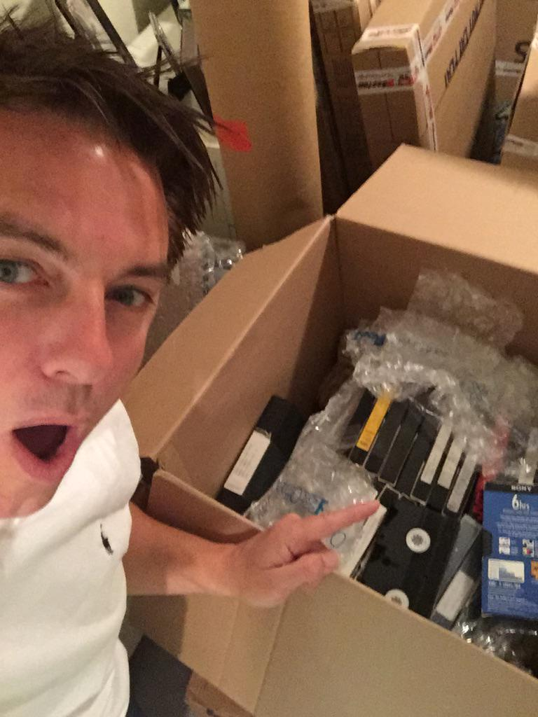 Old videos!! Check out my video post on Facebook. Too long to explain. But in these boxes vids I forgot I had. Jb http://t.co/0zHSRv76sj