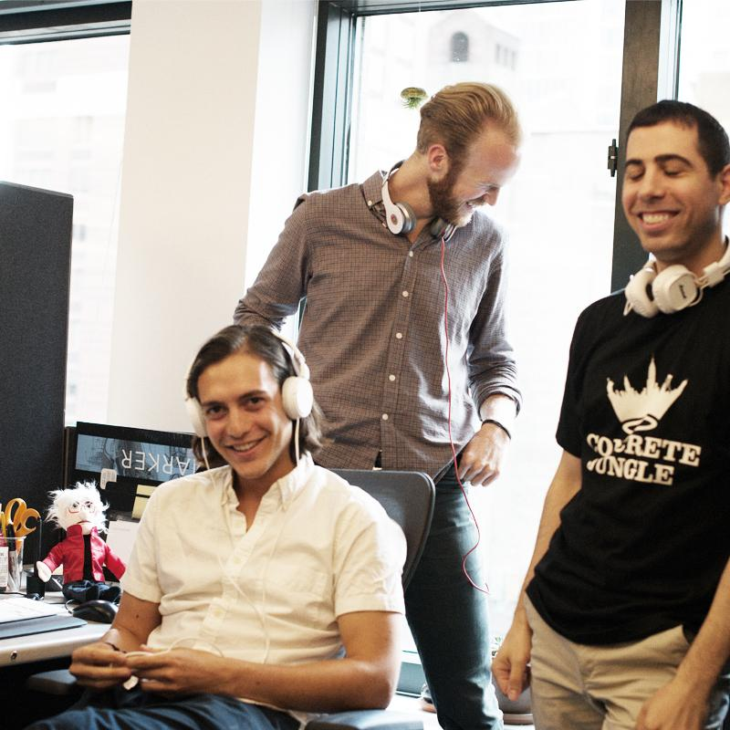 Music—and good company—helps keep the ideas flowing (Photo by @belanyc)  #publicisnewyork #publicisroars http://t.co/dIRWvsVNk7