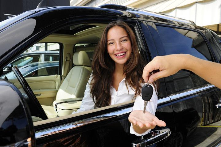 AutoScout24: l'auto nuova si sceglie sul web ma si compra nei concessionari