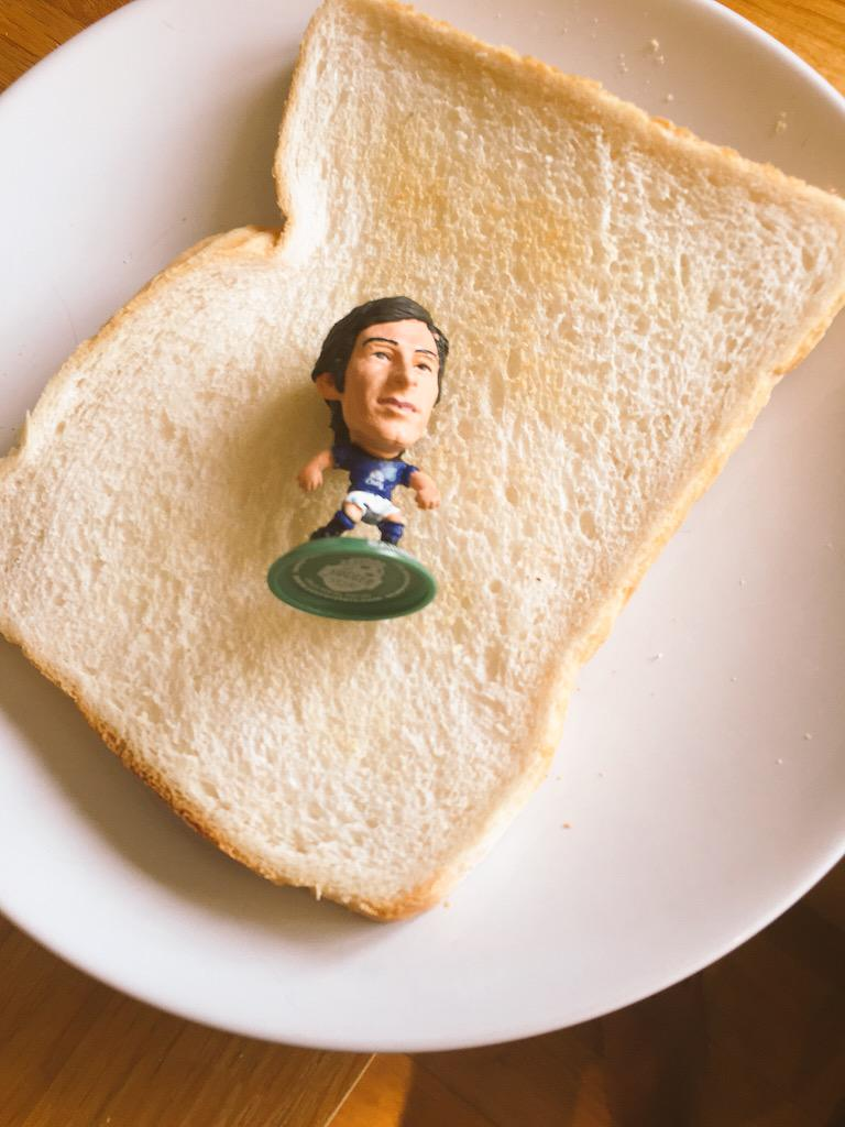 @paddypower #PPSaturdays ran out of beans.. Having to make do with Baines #bainesontoast