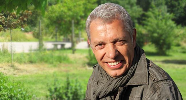 J + 60 -  ROLAND MOTTE – KISS BISS BANK BANK SUR LE GREENPOD http://t.co/VIOqbfh244