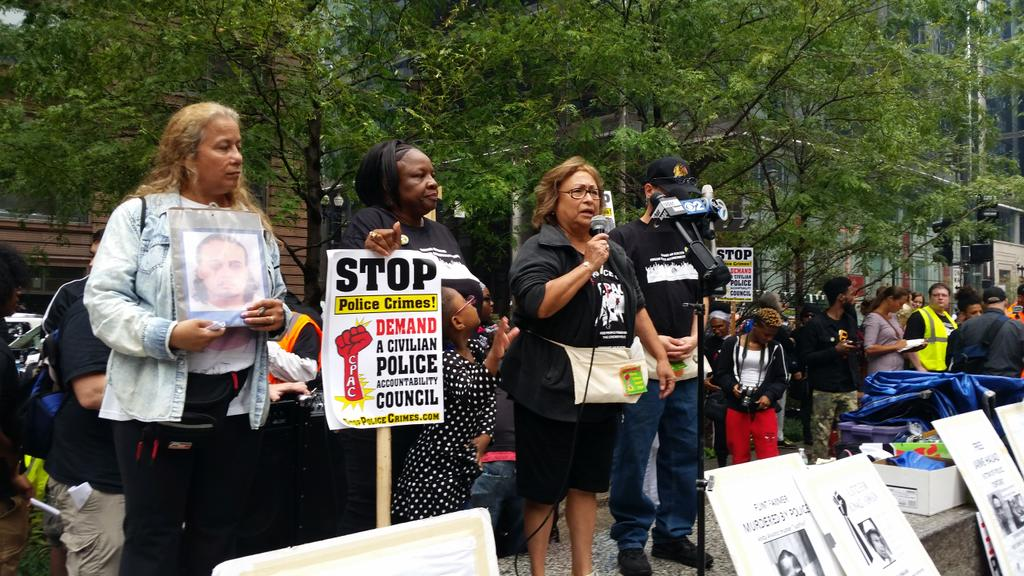 Families of victims of police violence now taking stage #StopPoliceCrimes http://t.co/lFOOtZoxKZ