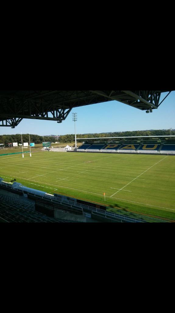 Premier match de la saison au stade du hameau. Tous derrière @SectionPaloise @Section16eHomme