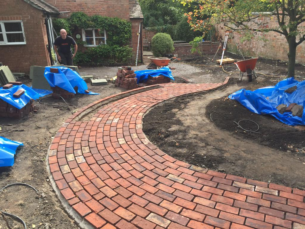 """Isola Garden Design on Twitter: """"We love using these Old English"""