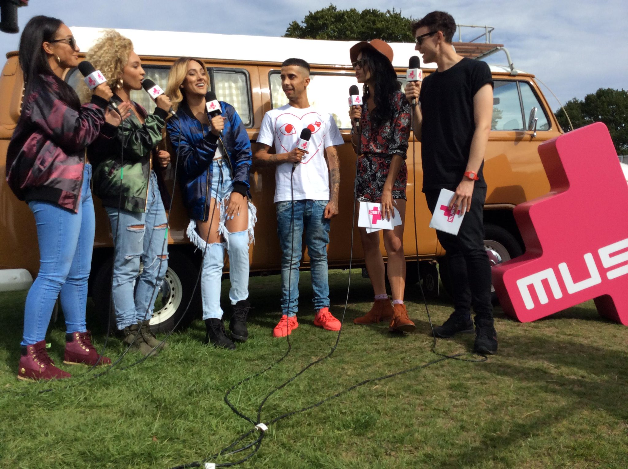 RT @4Music: @TheDappy & @MOMusic in the housse!! Double whammy! @fusionfest #CoftonPark #4MusicFusion http://t.co/FQTxttrZAT http://t.co/nN…