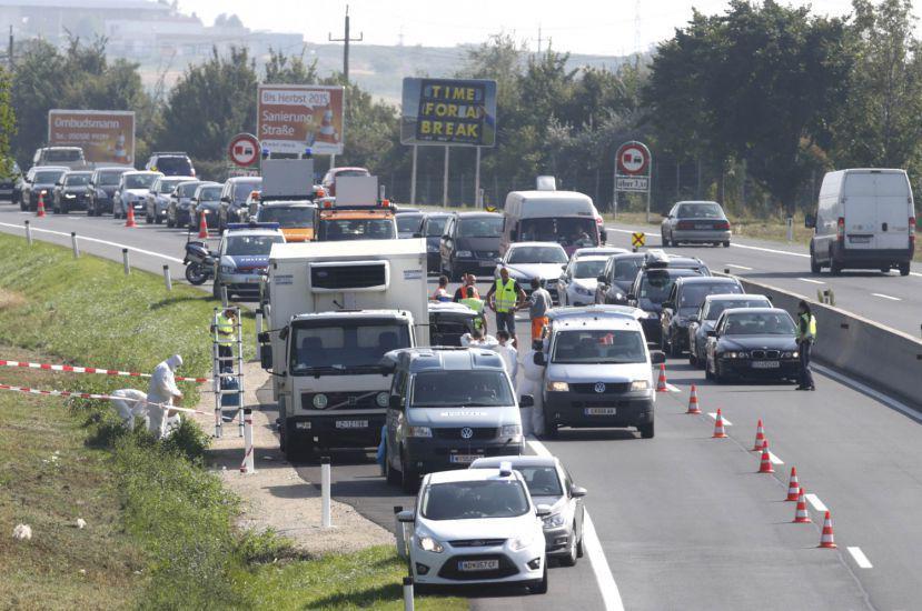 Austria, altro camion con profughi