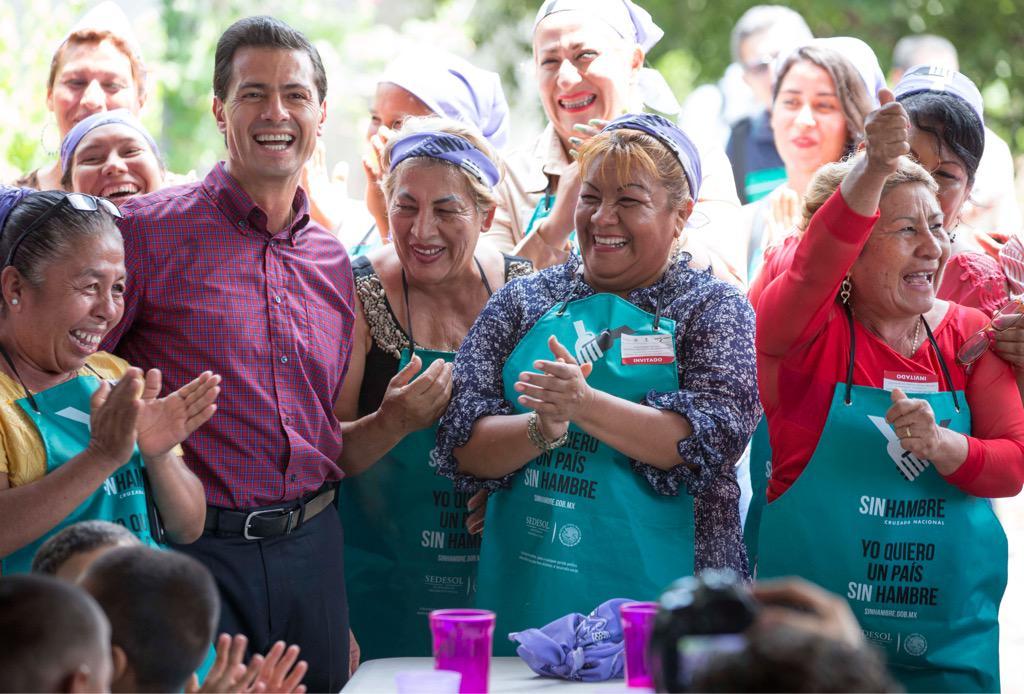 La Cruzada Nacional contra el Hambre ya beneficia a 4.5M de mexicanos #TercerInforme http://t.co/UMrX3gnAFD http://t.co/r5Iw4oNAf0