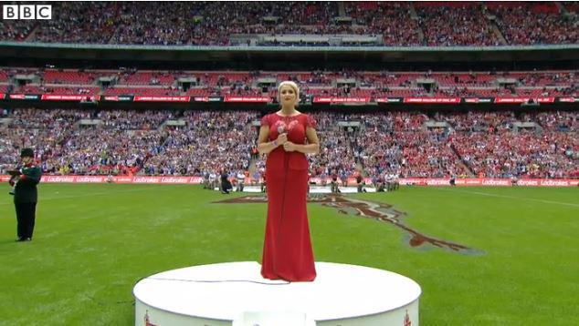 Spine-tingling.  Watch Lizzie Jones' emotional rendition of Abide With Me at @TheChallengeCup  http://bbc.in/1hnc62U