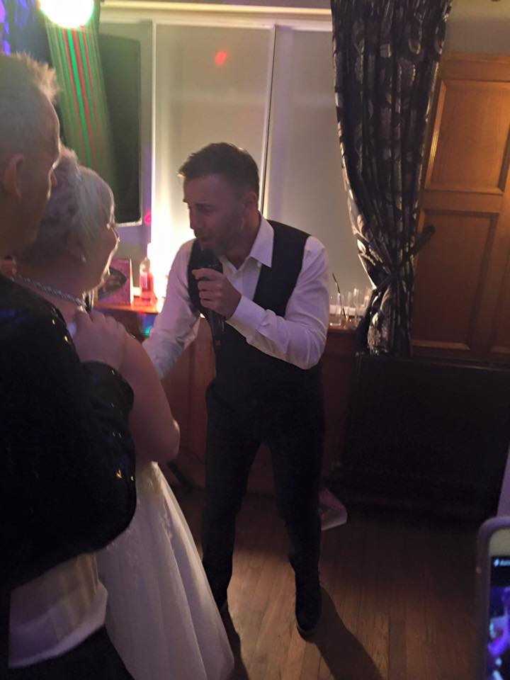 RT @Garyismyhero: @GaryBarlow at wedding number 5 :) Via a public post on FB from Tracey G. http://t.co/pjs4kbcJRs
