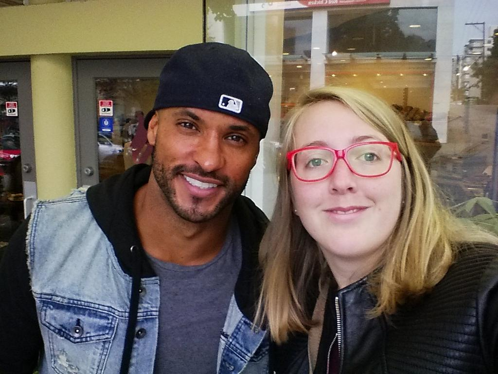 RT @GirardReb: So lucky to bump into @MrRickyWhittle !! It was my sunshine on this rainy day in #Vancouver :p #seriesaddict #lucky http://t…