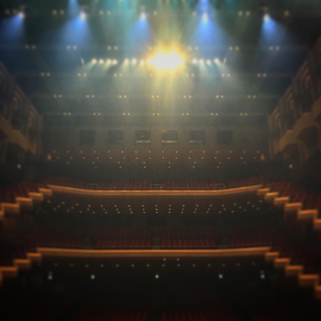 〝青い種子は太陽のなかにある〟 @オーチャードホール、24公演全て終了しました♫ 東京ファイナルお客さんも暖かったです\(^o^)/ http://t.co/ooj6QhJJQZ