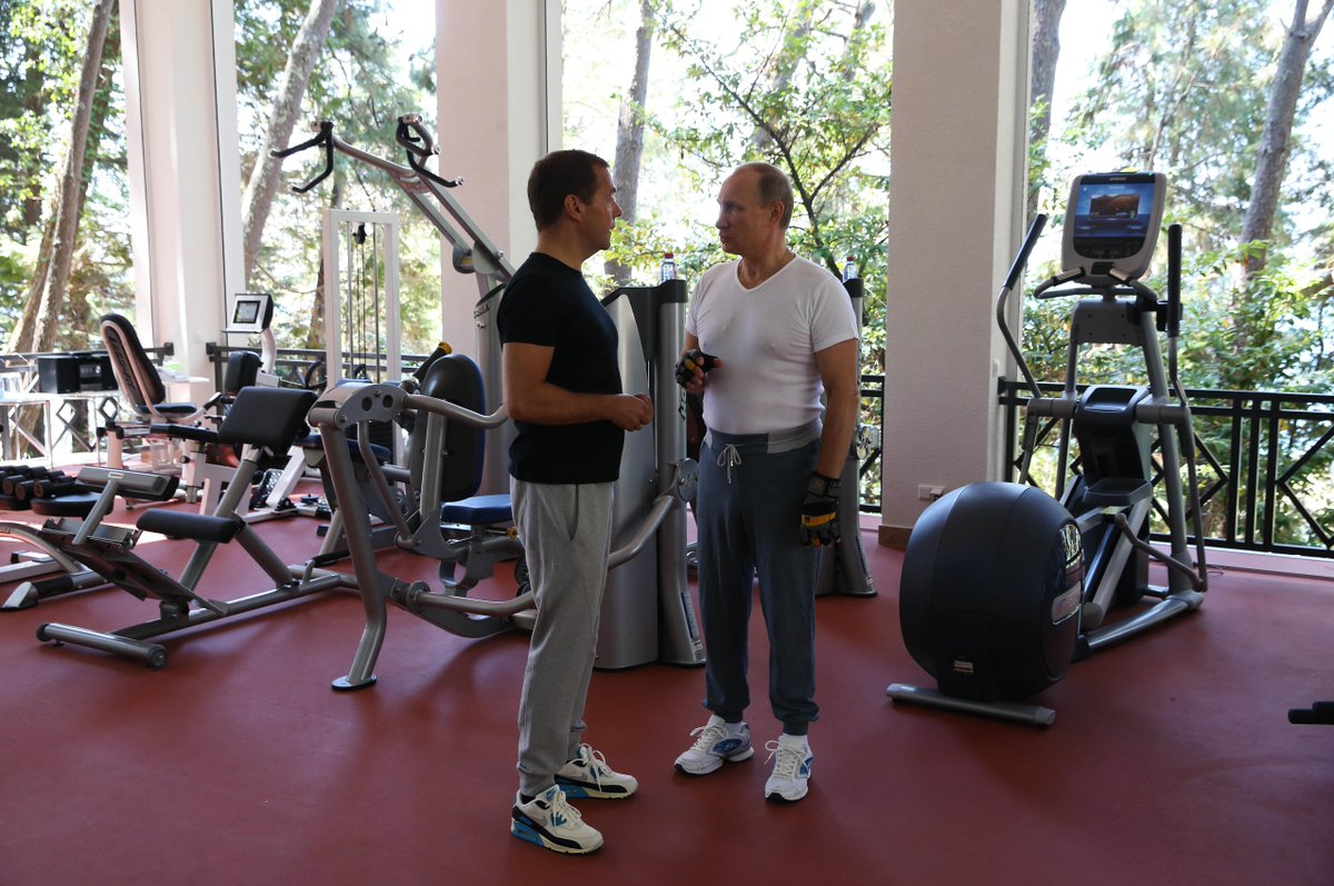 A workout with the President http://t.co/IyQvFgXz0O
