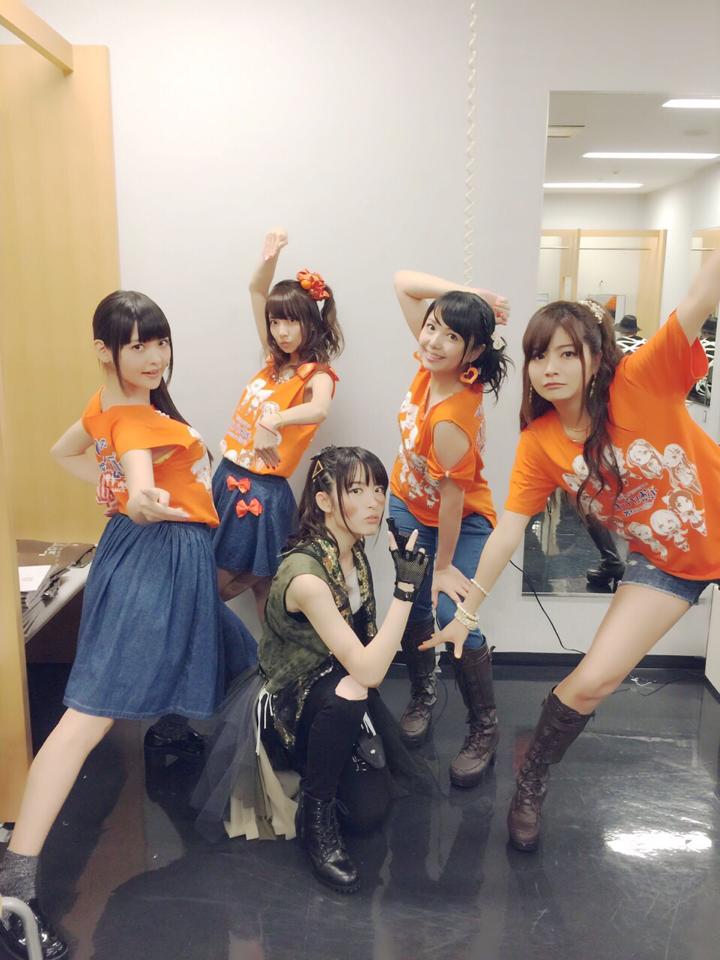 一部のてさプルたちに囲まれ…ふっ #anisama pic.twitter.com/TtNWIQGXil