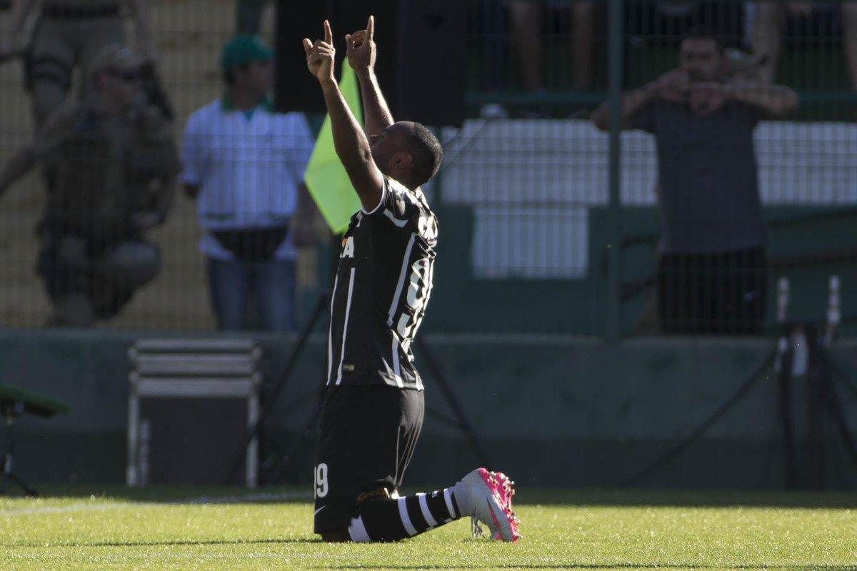 db3a9f7817d25 Errata  o Corinthians agora tem 46 pontos no  Brasileirão. Mas é líder