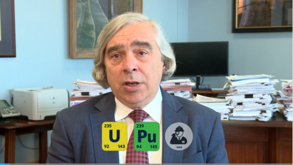 Nuclear physicist @ErnestMoniz explains the science behind the #IranDeal. Watch and share. http://t.co/Yv2jnwNGbX http://t.co/pcl0YTXk96