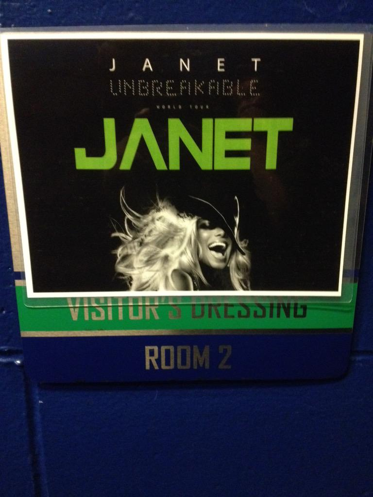 RT @flytetymejam: Backstage at the #UnbreakableWorldTour  @JanetJackson is prepping for all day (and night) rehearsals. #NoSL333P http://t.…