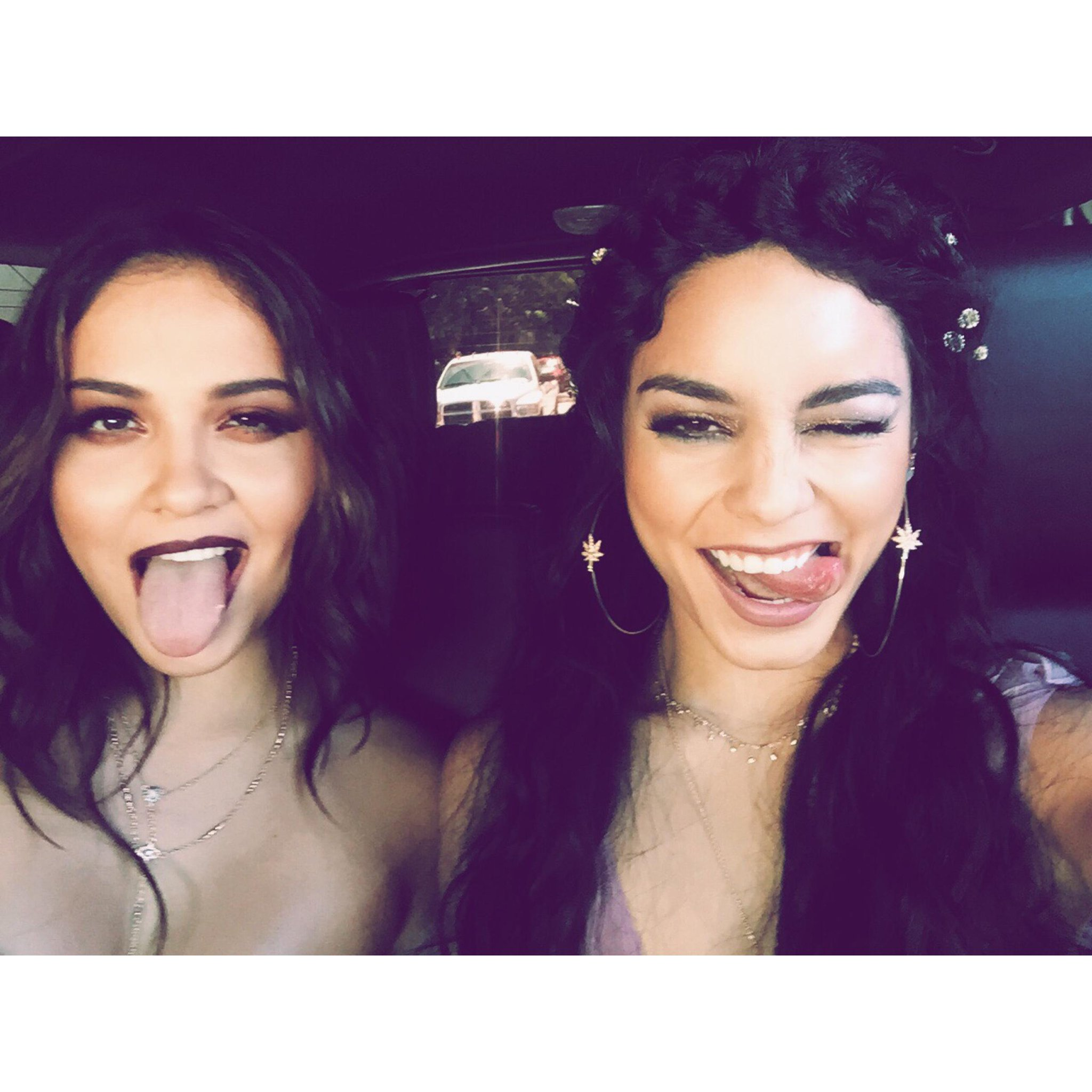 En route with @StellaHudgens! Follow MTV on @PeriscopeCo to meet me at the #VMAs w/ @VerizonWireless #WhyNotWednesday http://t.co/xJOIYRM6Er