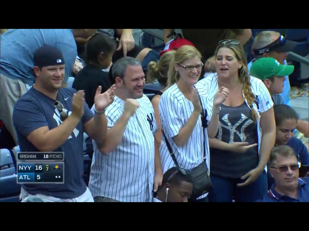 I spotted some fine, upstanding Yankees fans while watching the condensed game. http://t.co/fZDPoDyvZf