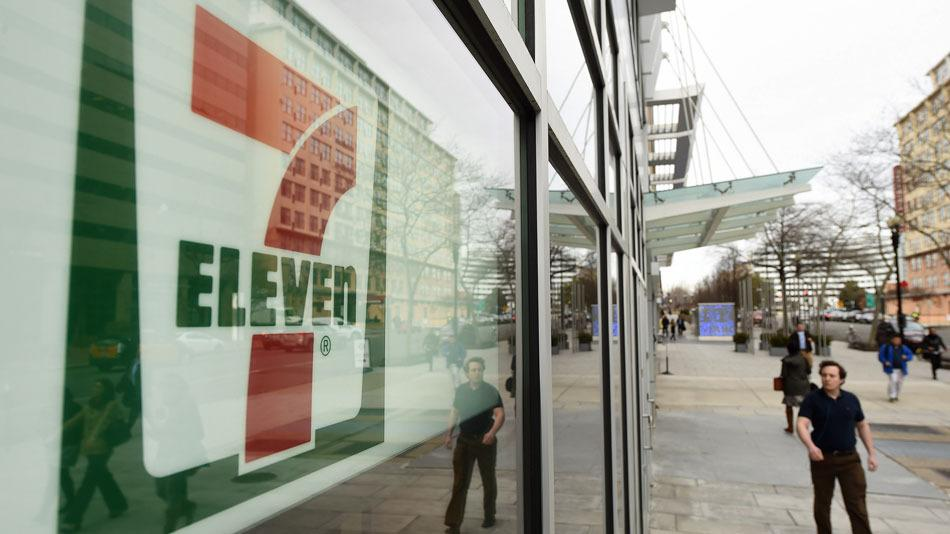 RT @mashable: Report: 7-Eleven accused of underpaying Australian workers http://t.co/76J1kdWRq2 http://t.co/AT5zyaT7zN