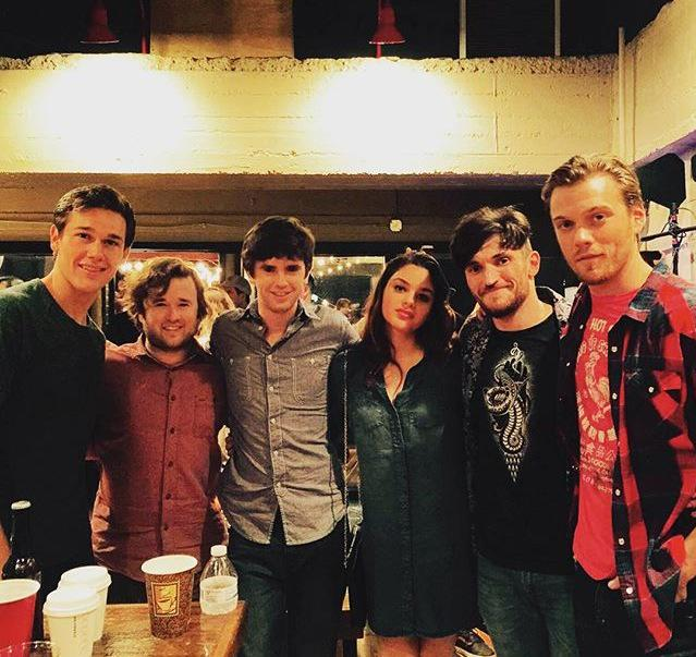 freddie highmore id on twitter new old freddie highmore and cast