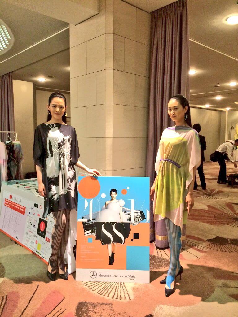 「女性が輝く社会に向けた国際シンポジウム」(WAW! 2015)にJFWOブースを出展しました。後日、レポートをMBFWTサイトにアップします #picturedress #jmaa #MBFWT http://t.co/cooKejjp9O