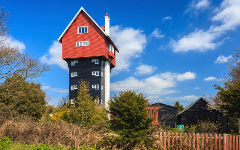 RT @Creative_Boom: 10 of the wackiest and most wonderful places to stay in the UK http://t.co/VUt9hE9hsd http://t.co/77zE2c9tT1