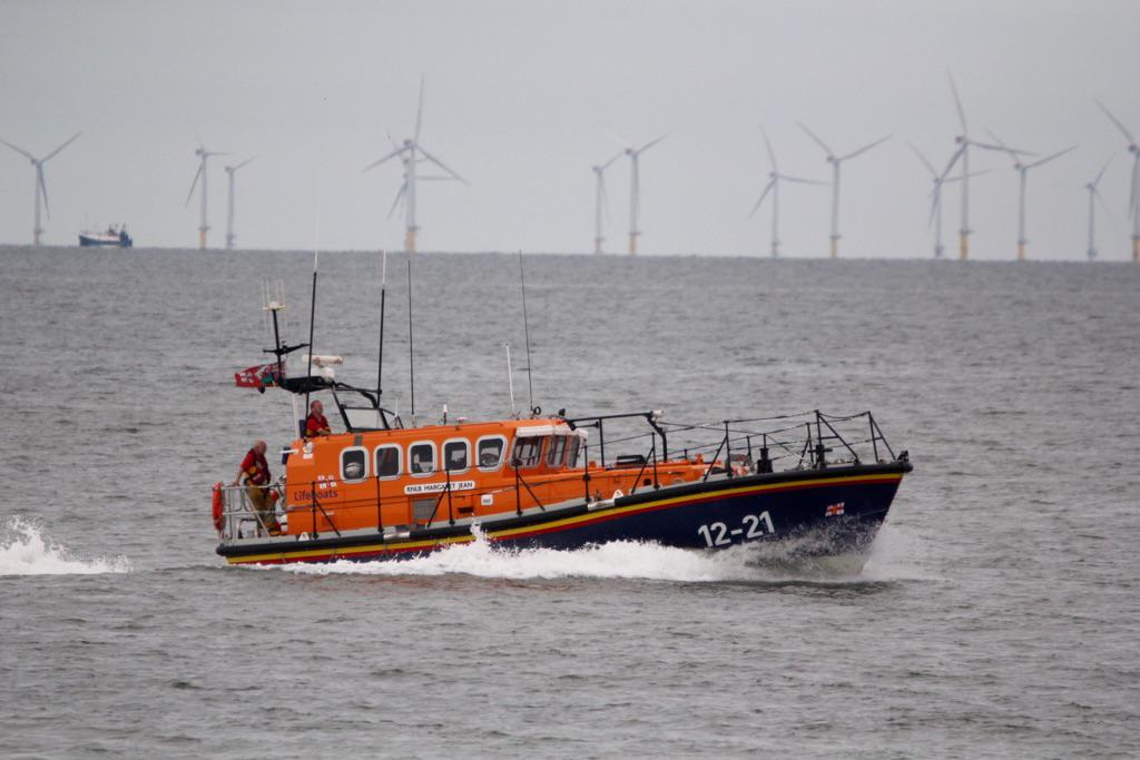 Reassuring to see the @RNLI out at the Rhyl air show yesterday, happily I don't think it was needed. #RNLI #Lifeboat http://t.co/adkiNqteMB