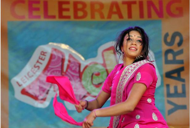 RT @Leicester_Merc: Get ready for today's Mela http://t.co/Af1TLREsi9 http://t.co/30qFCxyGmB