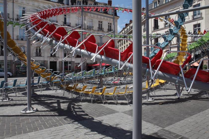 RT @Creative_Boom: Hundreds of colourful café chairs create a huge roller coaster in a French town square http://t.co/0gKNxSAPqF http://t.c…