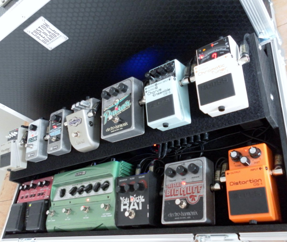 Custom Pedal Boards On Twitter 2 Tier Board I Wiring A Finished Up The Other Day Http Tco Yhxm3fkbb0