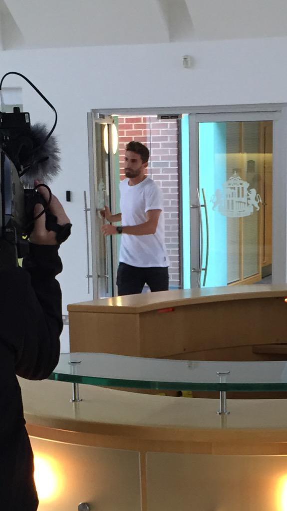 Here's Fabio Borini today at the #SAFC training ground. The Italian is close to sealing a £7.75m transfer from #LFC http://t.co/dHyhAmBA3Z