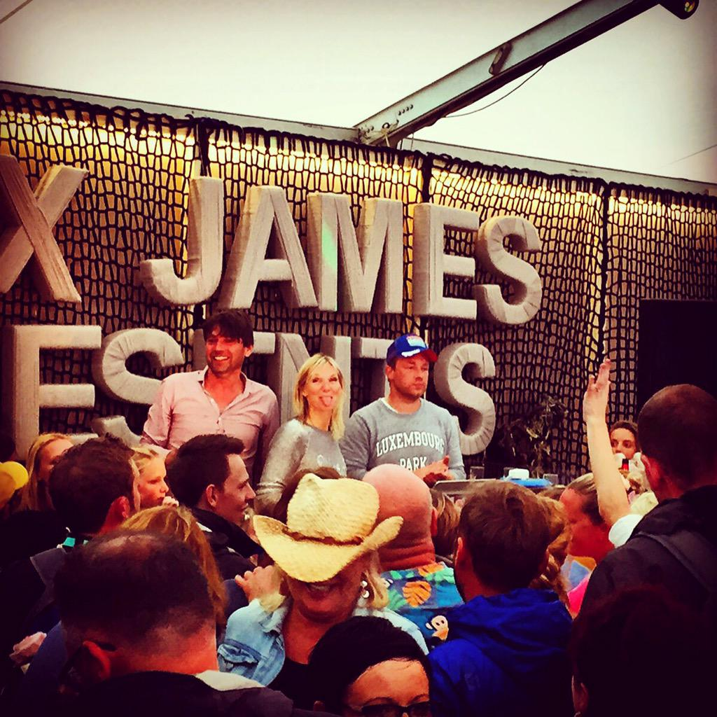 Thanks for letting me gatecrash your set at Feastival. Loved it! TheAlexJames @Jamie http://t.co/WsCEy42TSd