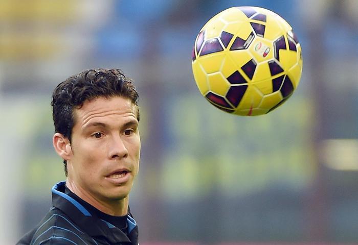 """Ultima calciomercato: il """"profeta"""" Hernanes alla Juventus, tra qualche polemica"""