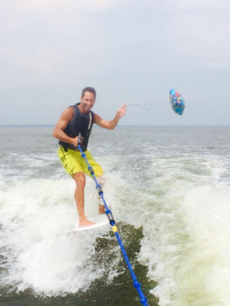 how to get up wake surfing