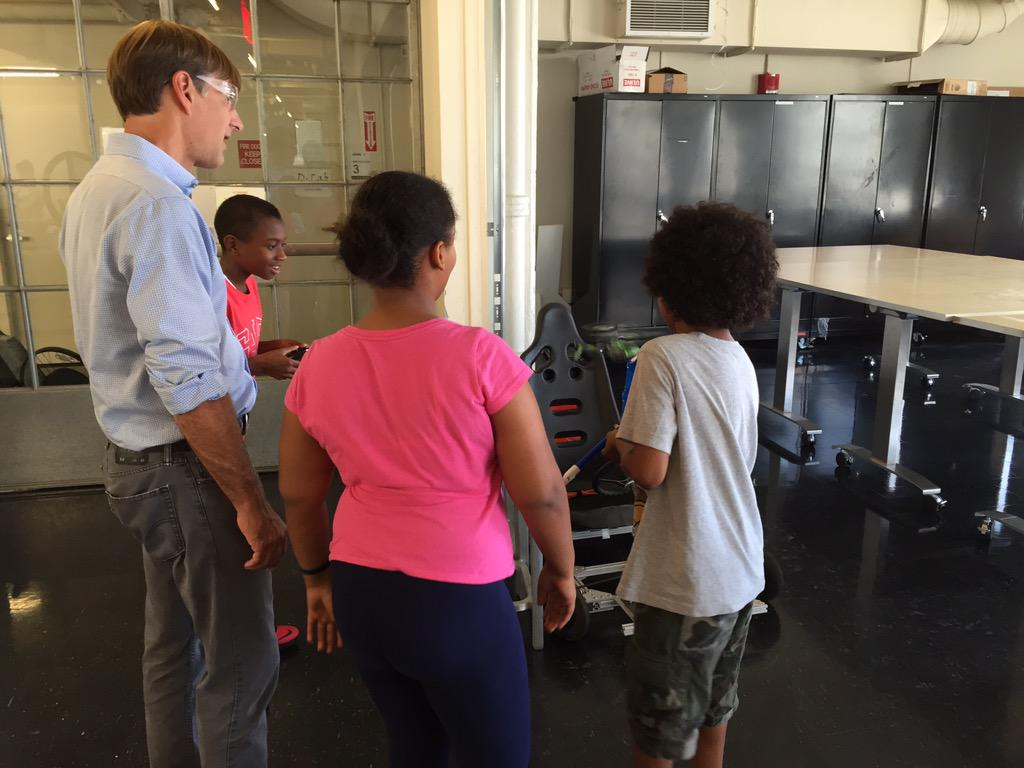 iFp mini makers flying a helicopter w MITs @mattkressy #CambMa http://t.co/B2X4vbw2UA