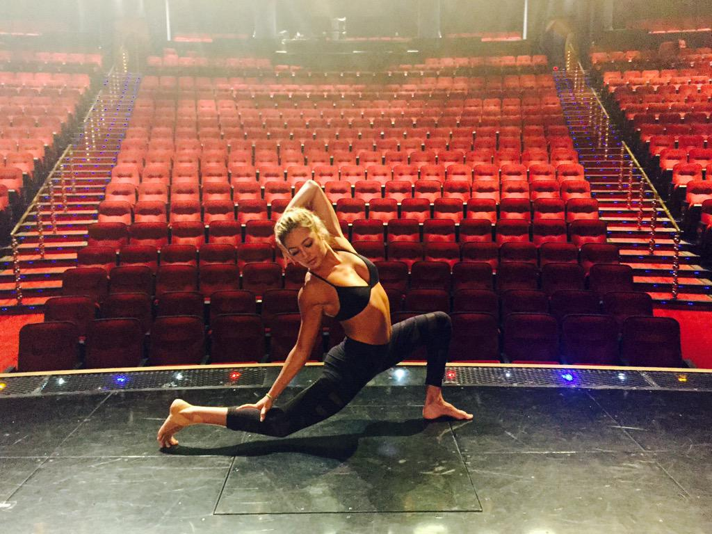 When dancing, I feel alive and free to show how I feel. Dance is me.  #WhatMovesYou @DegreeWomen #Partner http://t.co/EG1rweriRd
