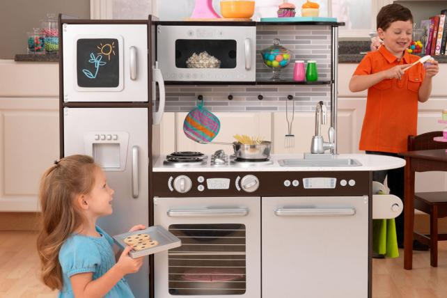 Fuelling a cooking frenzy, marketers are encouraging food-literacy & baking in children. http://t.co/MuCUJ5oWGu http://t.co/lFVs0wzBBP