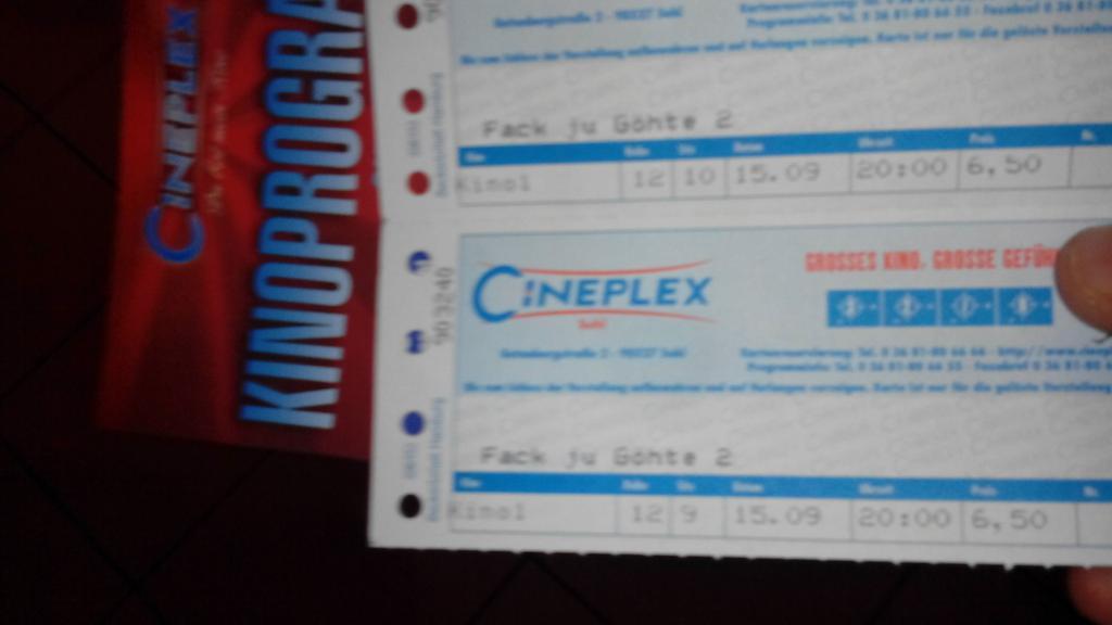 Komme gerade aus dem kino ,und lache immer noch #besterfilmdesjahres #fackjutupic.twitter.com/k4TQAK4AAV