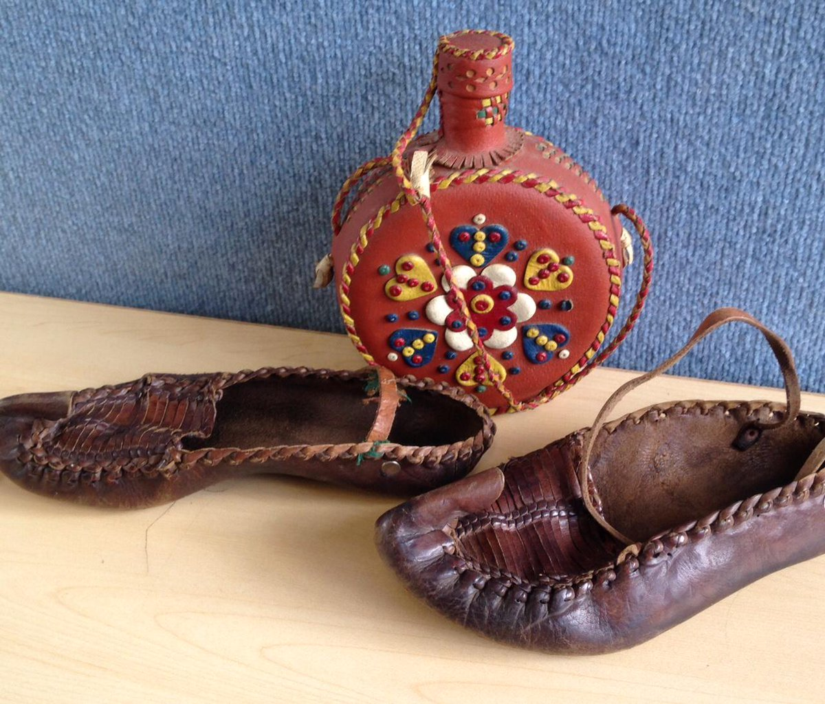 @discoverycentre I have these old dancing shoes from Croatia.  Do museums collect shoes? Why? #askacurator   CT http://t.co/KRrXchoheu
