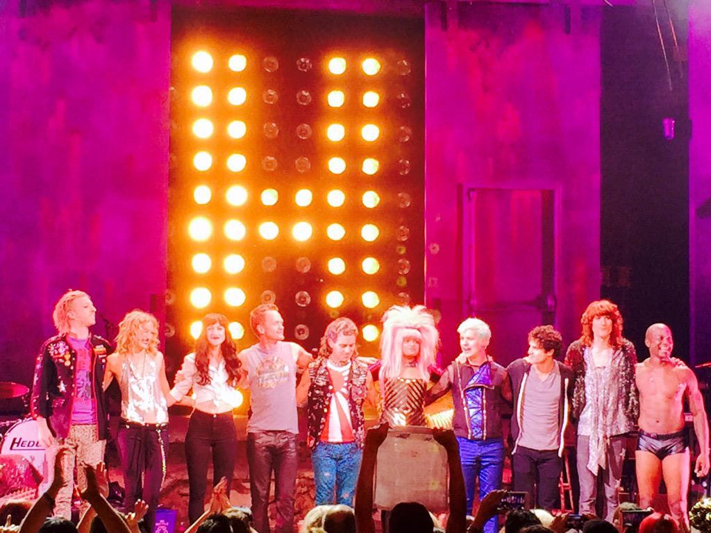 Hedwig finale joined by @ActuallyNPH @LenaRockerHall @DarrenCriss ⚡️ Lift Up Your Hands http://t.co/hPgisd550R