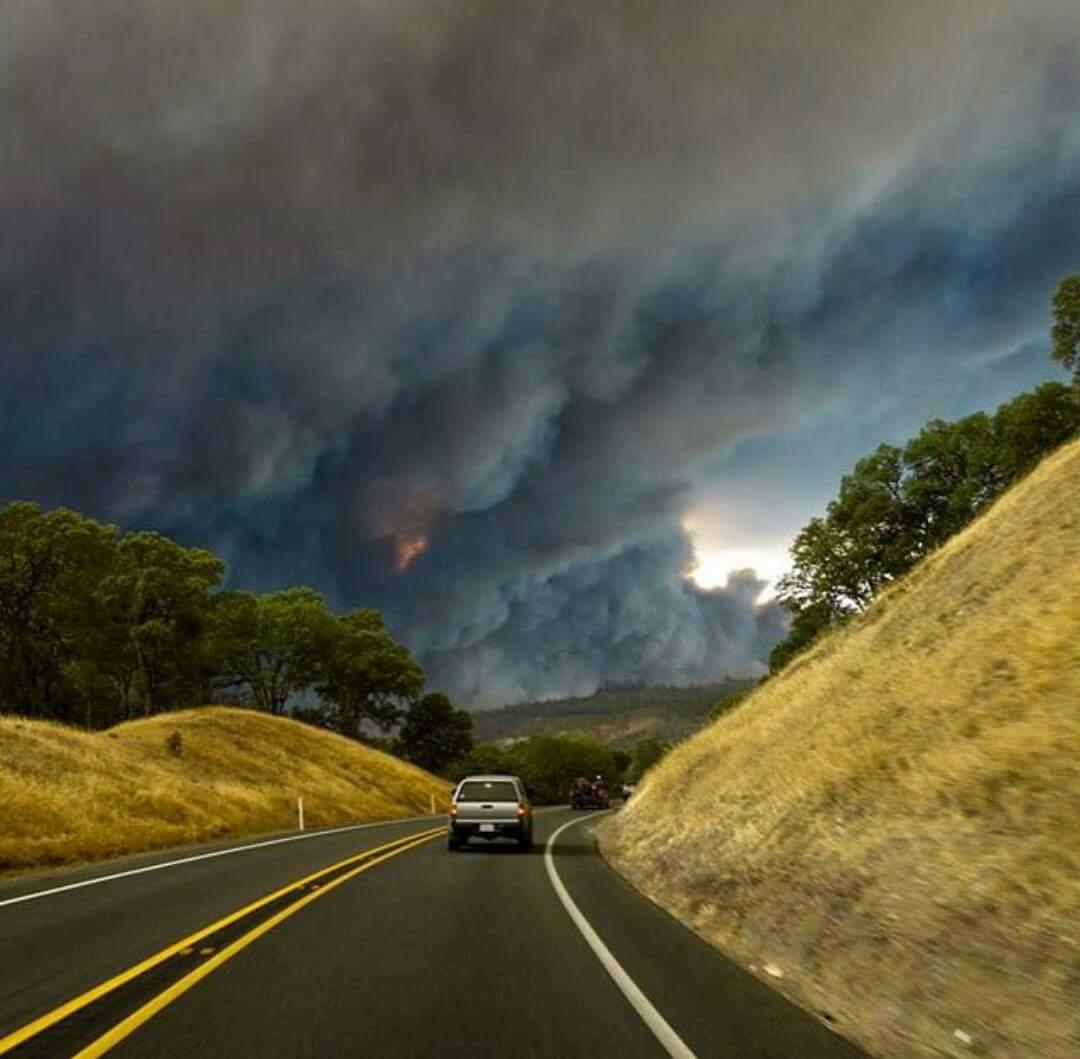 Hundreds of homes destroyed by California's dueling wildfires