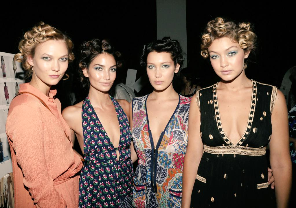 Backstage beauties @karliekloss @LilyAldridge @bellahadid @GiGiHadid getting ready for the @DVF Spring 2016 runway http://t.co/EzdICFfCbi