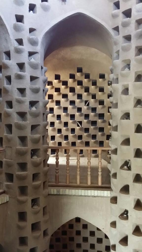 Meybod.Torre degli uccelli(4000piccioni).Il guano veniva usato per concimare @IsottaIsottaDai #disPersia #MustSeeIran http://t.co/rQBtQ5XwKH