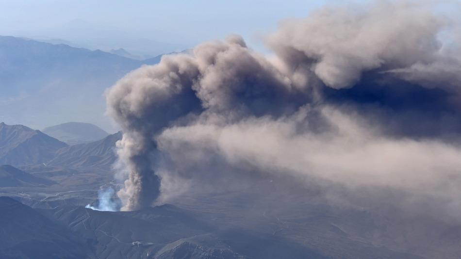 Giappone: si è risvegliato il Vulcano Aso
