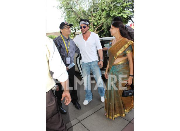 Новый фильм Рохита Шетти и Шах Рукха Кхана - Dilwale )) - Страница 4 CO2FqFuUcAAkjp3