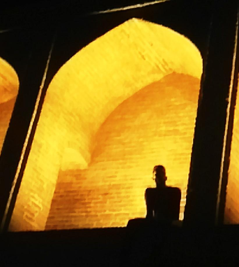 #disPersia #mustseeiran @IsottaIsottaDai  @Mondovagando: Esfahan, on the bridge. http://t.co/tbDA35NT36
