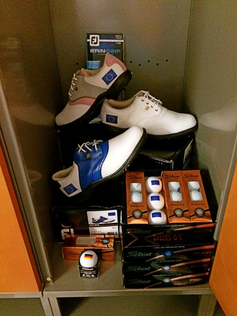 Inside Team Europe @AzaharaGOLF locker! #SolheimCup2015 http://t.co/b2DHXcwuEJ