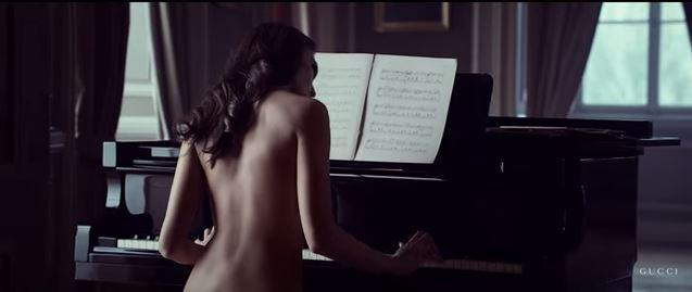 Naked piana playing