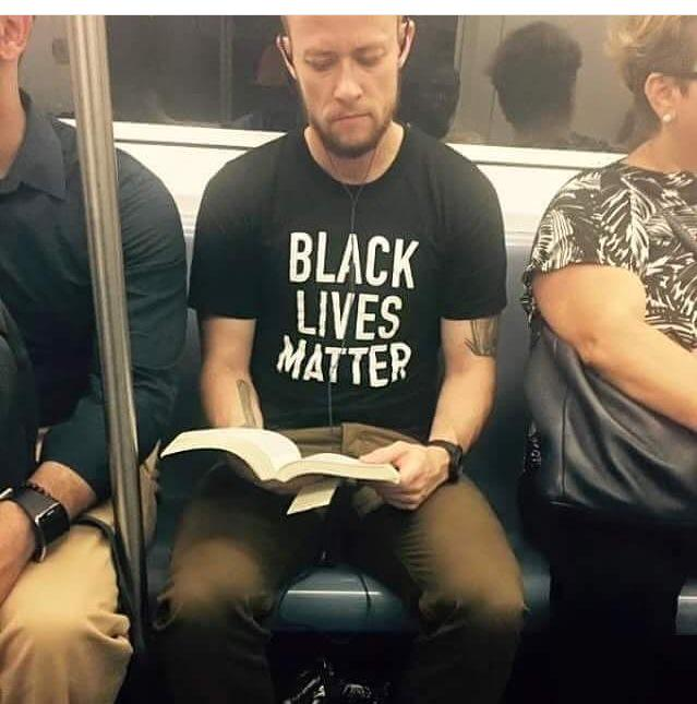 If you think we need only black people to stand up and make a point... Your WRONG! #BlackLivesMatter ✊ #POWERFUL http://t.co/A4pq5M276Y